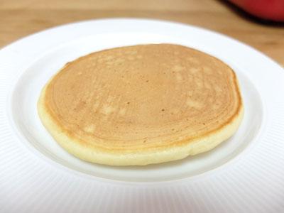 【ブルーノコンパクトホットプレートレシピ】ホットケーキの出来上がり