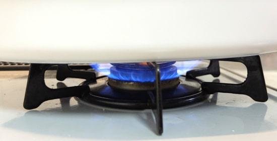 直火できる深鍋プレート|ブルーノオーバルホットプレート